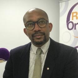"""Rencontre avec Karfa Diallo, fondateur de """"Mémoires et Partages""""."""